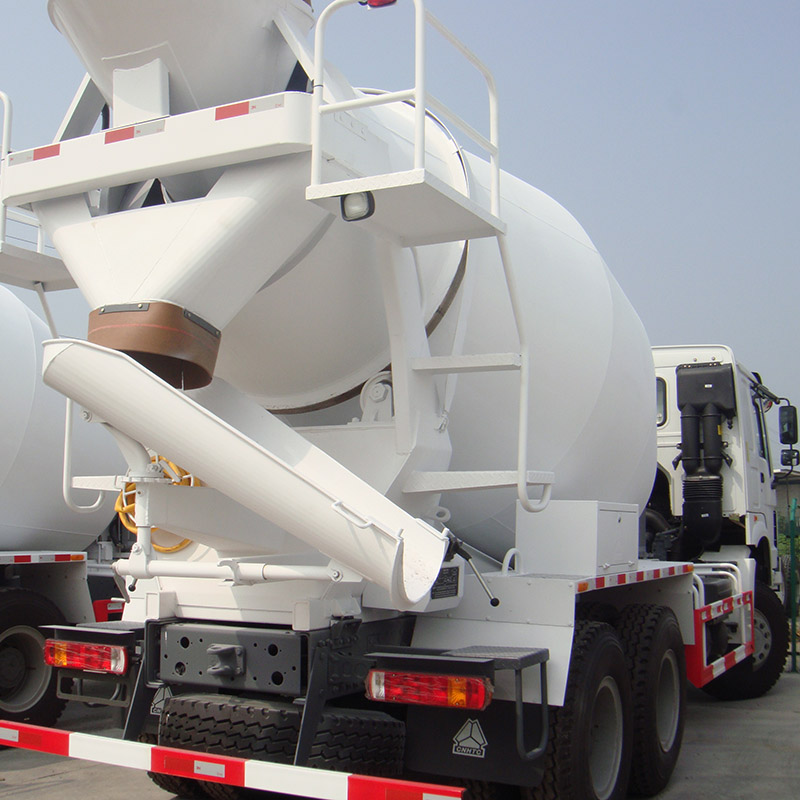 Euro 2 371hp SINOTRUK HOWO Concrete Agitator Truck 10 CBM