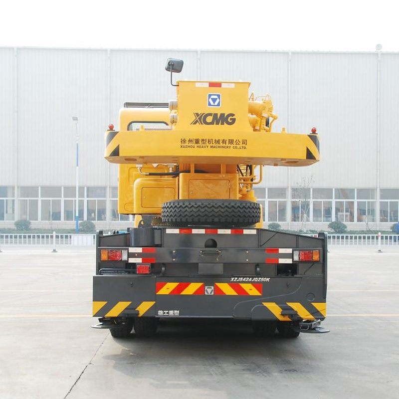 XCMG 250 ton telescopic boom truck crane STC250 for sale